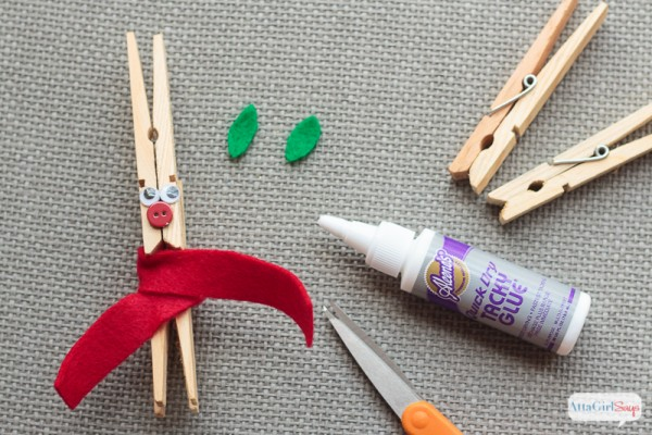 DIY Rudolph the Red-Nosed Reindeer Clothespin Christmas Ornament