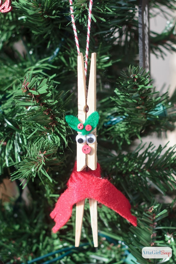 DIY Clothespin Reindeer Christmas Ornament