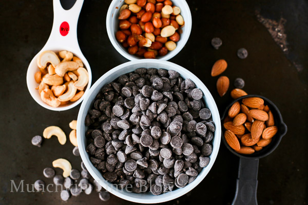 Christmas Nut Clusters Recipe - www.munchkintime.com