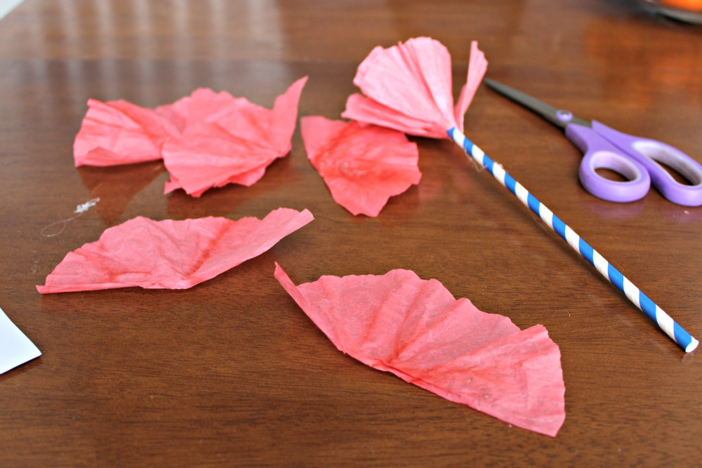 Quick, easy and cheap spring decorations, DIY Coffee Filter Carnations