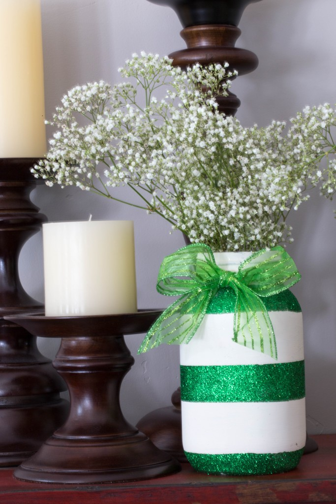 Putting a little glam into St. Patrick's Day! These jars are big on easy but also big on impressive! The gold and green glitter adds so much sparkle to your holiday decor. Found at www.overthebigmoon.com!