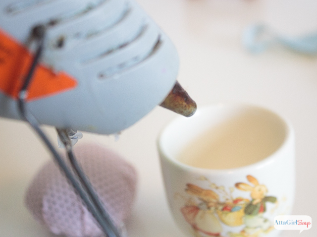 This adorable Easter Egg Cup Pincushion craft, is perfect for anyone who loves to sews.