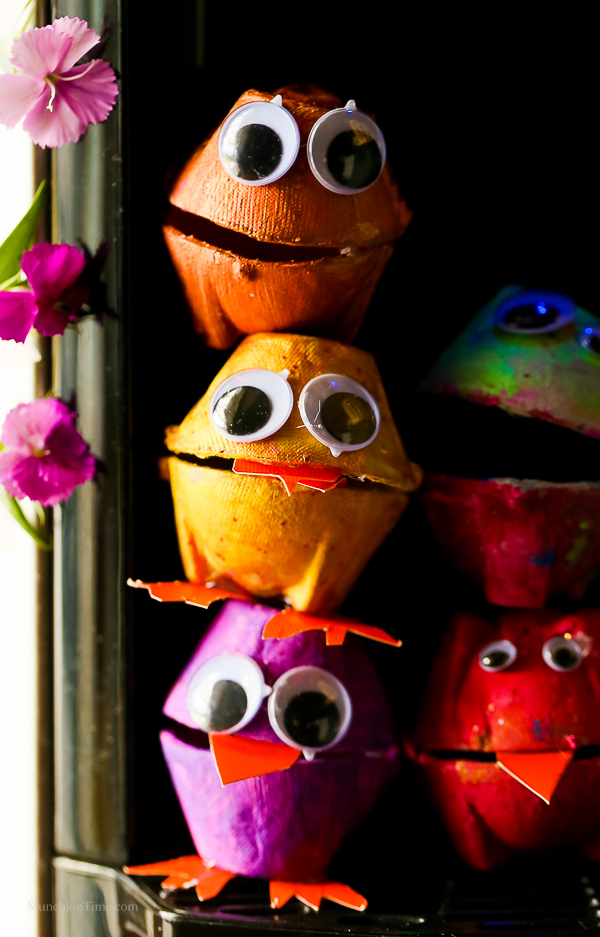Egg Carton Craft - Funny Monsters - Made of recycled egg cacton, googly eyes and acrylic paint. #eggcartoncraft -- http---www.munchkintime.com