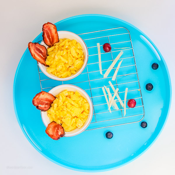 Easter Bunny Breakfast Idea for Kids -- www.munchkintime.com #easterideas