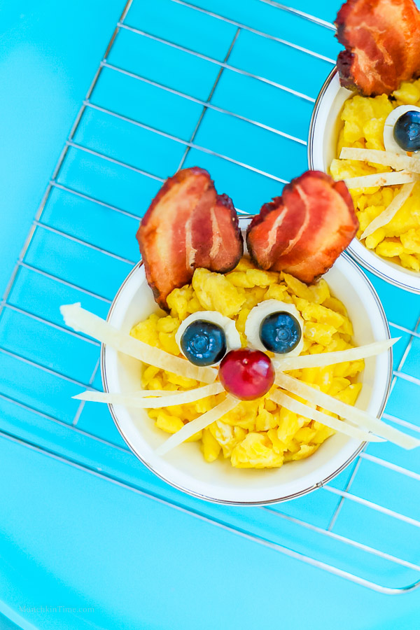 Your kids will LOVE these Easter Bunnies for breakfast! Quick and easy to make, they will get gobbled up in no time at all. What a fun breakfast for Easter morning.