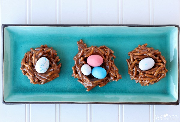bird nest trio: With Easter just past, there is often a plethora of leftover Easter candy laying around the house. These Marshmallow Bird Nests are a great way to use up some of those leftover sweets to make something even better!