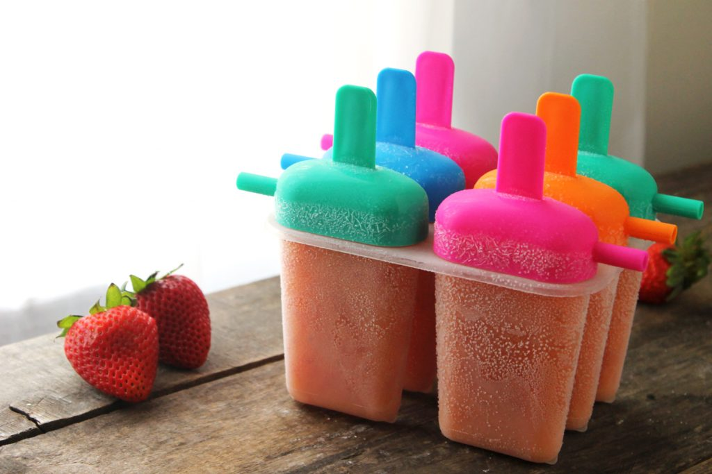 3-Ingredient Peach Strawberry Popsicles - TGIF - This ...