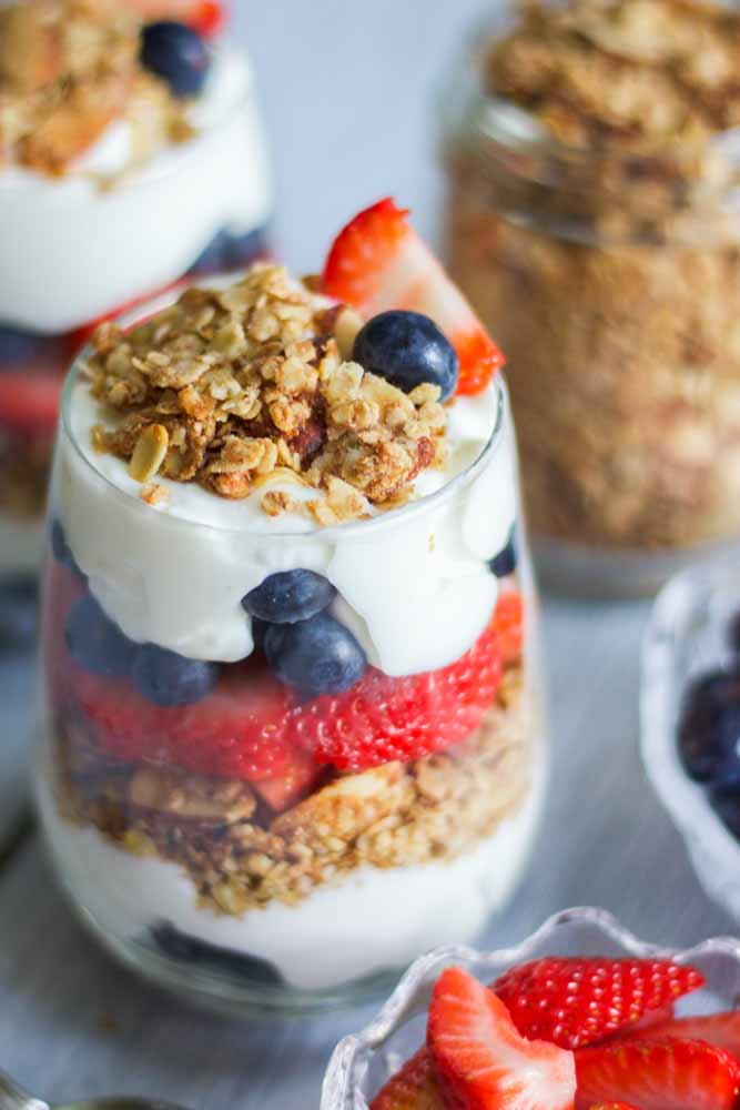 red-white-blue-yogurt-parfaits-4