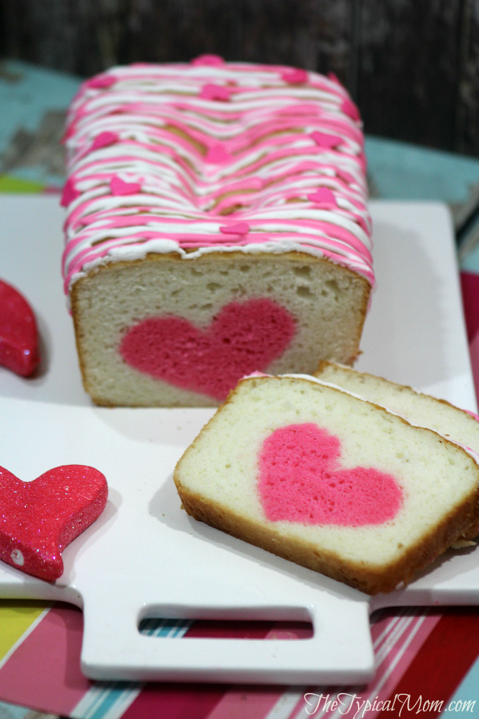 Valentines-Day-heart-strawberry-cake.