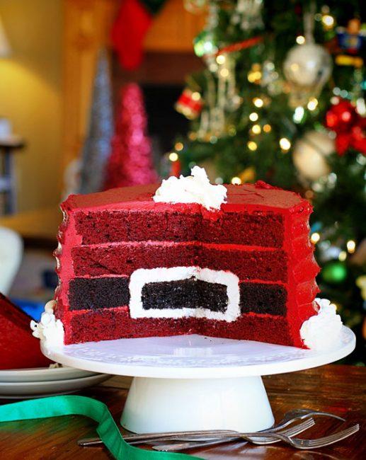 santas-belt-cake-517x650