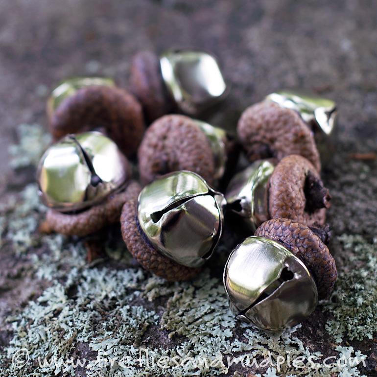 acorn-bells