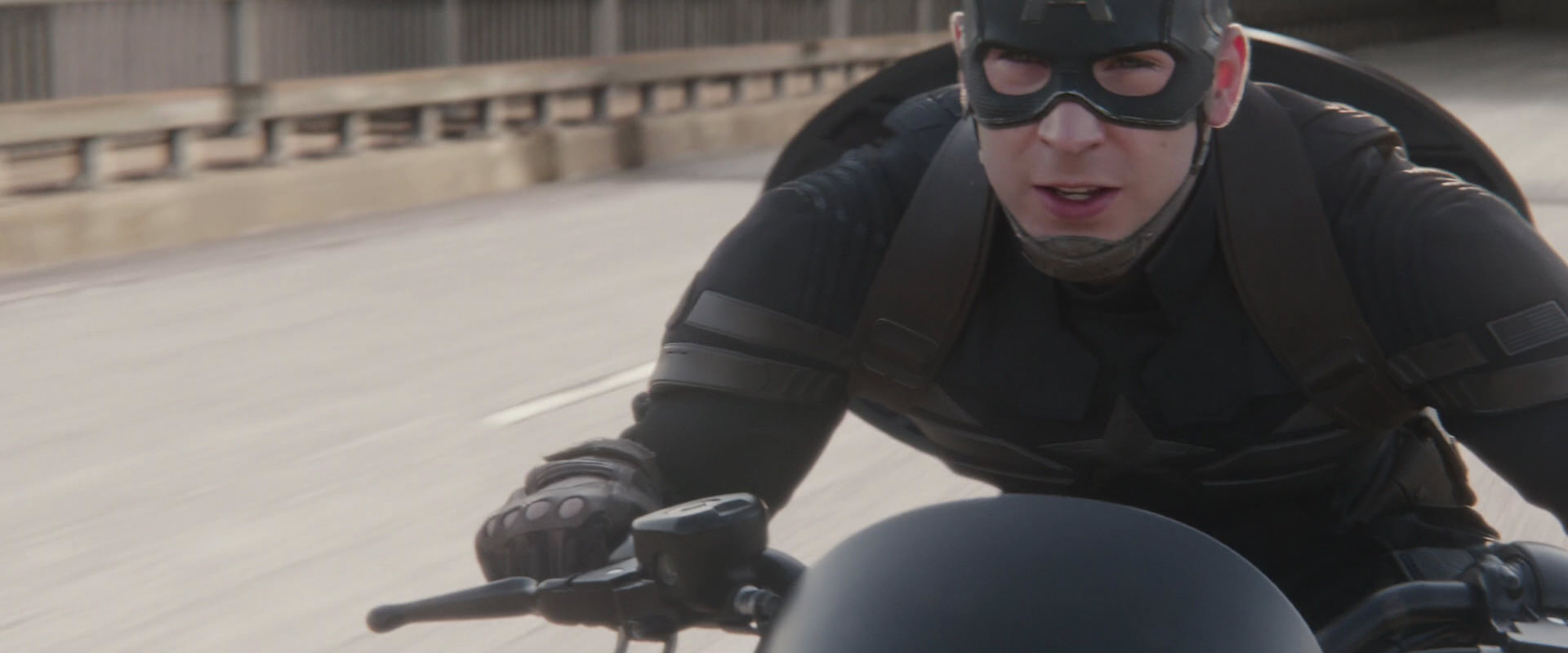 cap-winter-soldier-movie-screencaps.com-5947