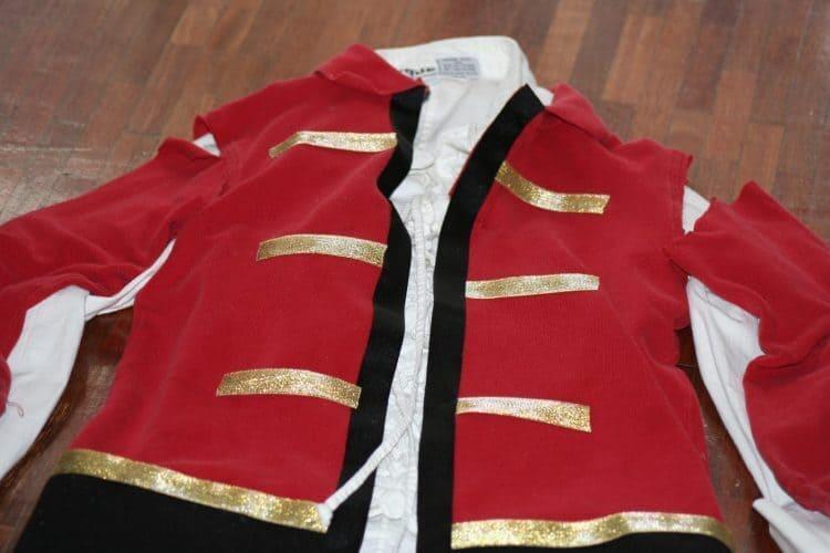 No-Sew Captain Hook Costume