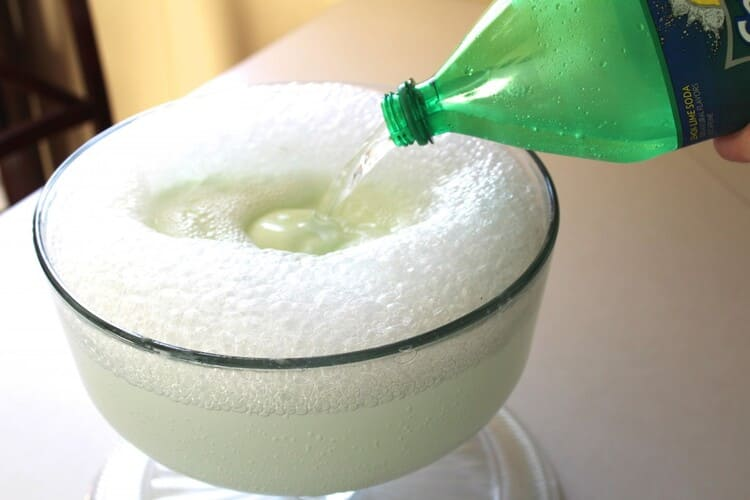 polyjuice potion recipe, a glass with fizzy drink and a foam